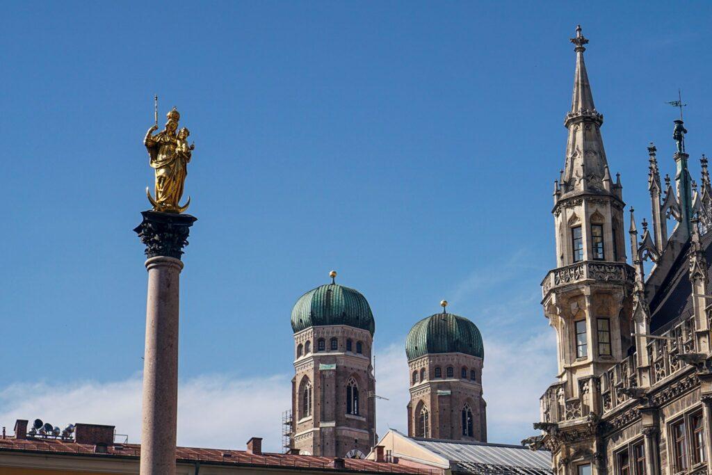 Mariensäule und Frauenkirche