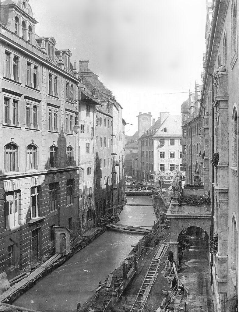 Ehemaliger Stadtbach in München, Pfisterbach in der Sparkassenstraße