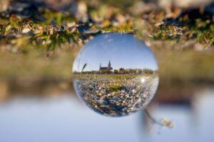 Paulskirchen in einer Glaskugel - München anders entdecken mit neuen Perspektiven